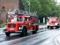 Fahrt durch die Burgstraße. Dahinter das TLF 16 der Feuerwehr Enkenbach-Alsenborn.