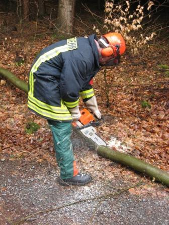 Während der praktischen Ausbildung im Wald.