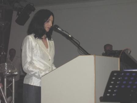 Die Bürgermeisterin der Verbandsgemeinde Weilerbach, Anja Pfeiffer-Matheis, während ihrer Rede