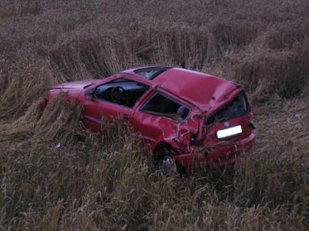 Nach einem Überschlag war dieser PKW am 9. Juli 2007 in einem Feld unterhalb der Landesstraße bei Baalborn zum Stehen gekommen.