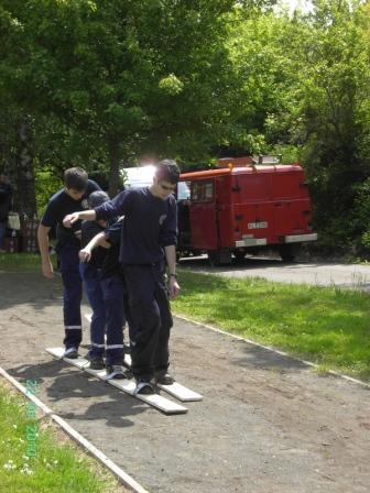Auch eine Disziplin während der Wanderrallye - Sommerski; Bilder: Feuerwehr Otterberg