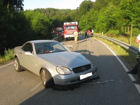 An dem Unfall waren ein Mercedes-Benz SLK und ...