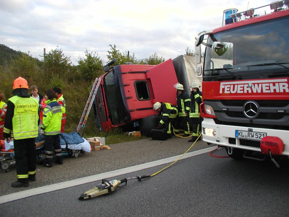 22. September 2013 - Verkehrsunfall mit LKW, A63 Sembach - Winnweiler