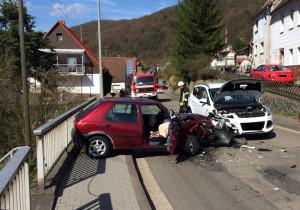 14. April 2015 - Verkehrsunfall, Niederkirchen Talstraße
