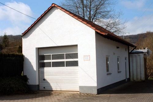 Feuerwehrhaus Sulzbachtal, Fahrzeughalle