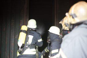 Reale Brandbekämpfung während des Seminars.