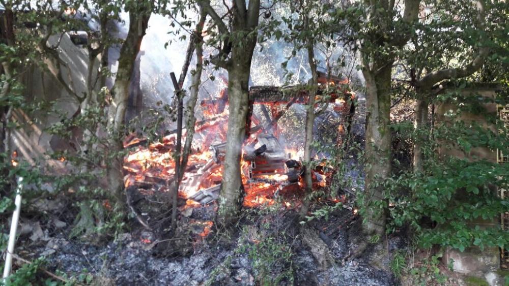 19. Juli 2017 - Brand einer Hütte, K24 Katzweiler - Kaiserslautern-Stockborn