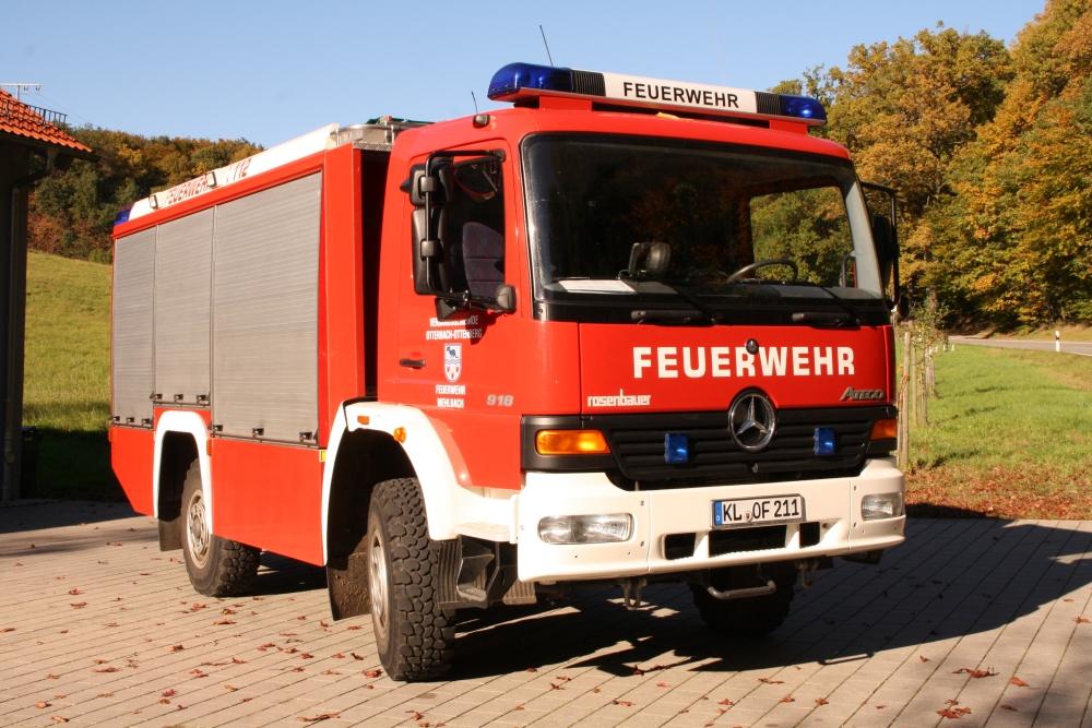 TLF 16/24-Tr vor dem Feuerwehrhaus Mehlbach.