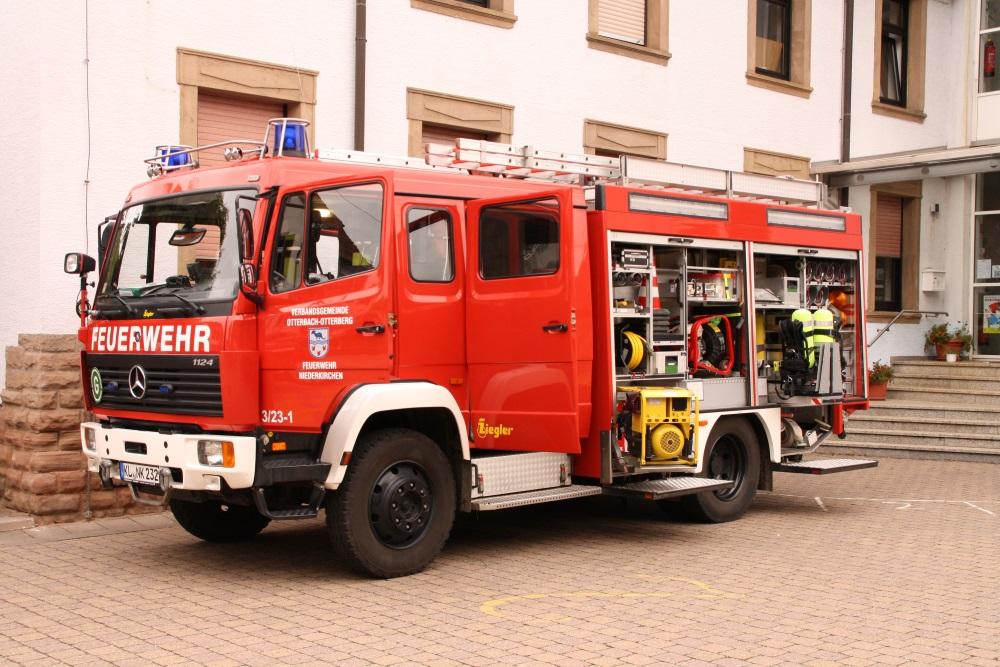 Jugendfeuerwehrfest in Niederkirchen: Fahrzeugausstellung