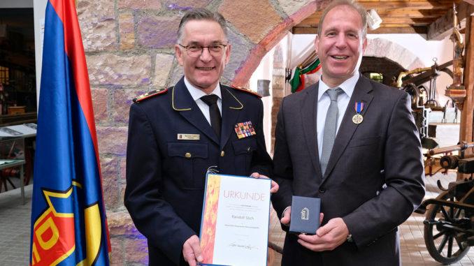 DFV-Präsident Hartmut Ziebs und Staatssekretär Randolf Stich, Foto: Rico Thumser / DFV