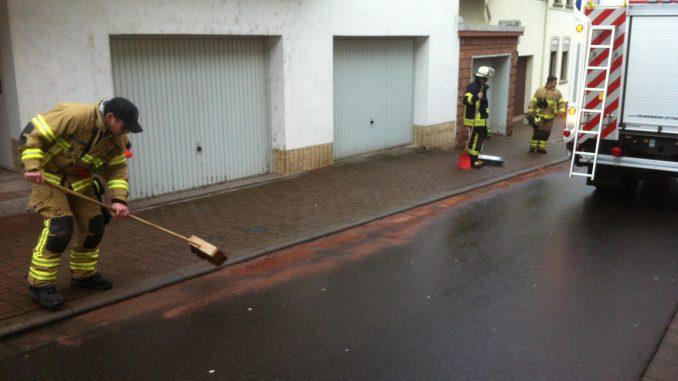 15. Dezember 2017 - Ausgelaufene Betriebsstoffe, Otterberg Alleestraße